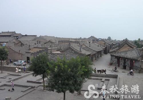 乔家大院位于山西省祁县乔家堡村,北距太原市54公里,南距东观镇仅2